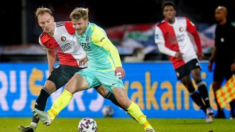 'Feyenoord en AZ benaderen 34-voudig Oranje-international voor transfer'