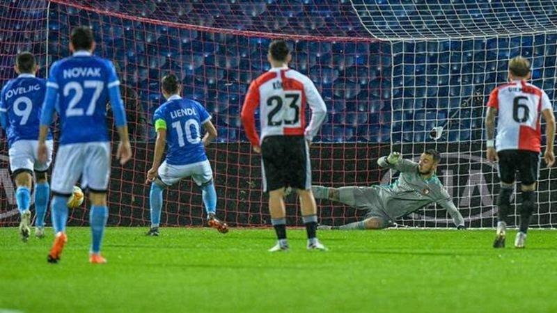 Internet gaat los over scheidsrechter bij Feyenoord - Wolfsberger AC: