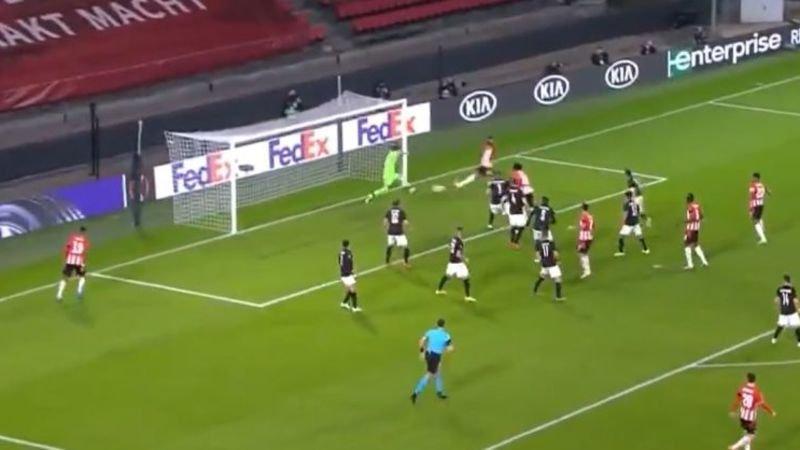 PSV-PAOK-blunder-buitenspel