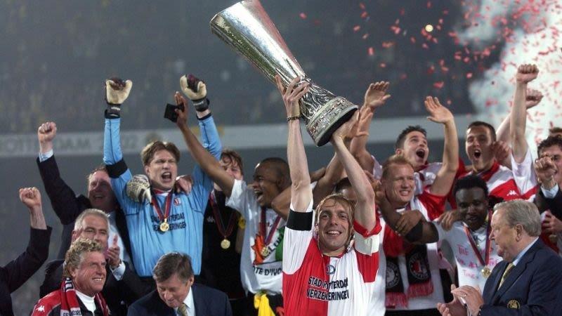 rtl-neemt-je-mee-terug-naar-de-heroische-uefa-cup-finale-van-2002