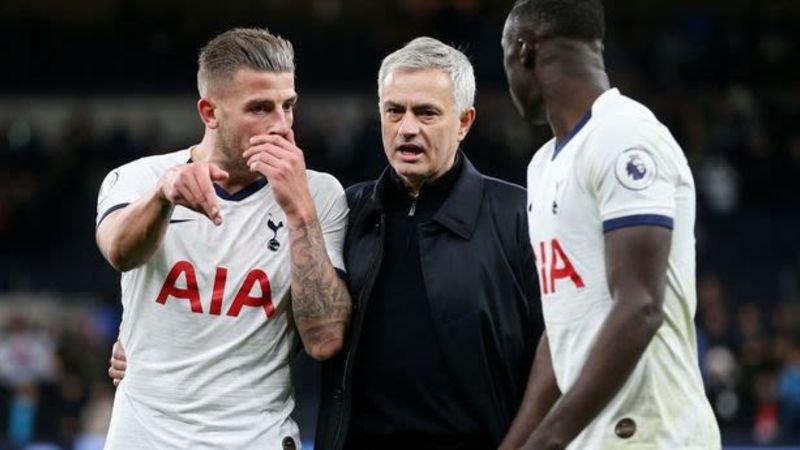 """Tottenham-fans niet rouwig om miljoenentransfer naar Ajax: """"Ik breng hem persoonlijk naar het vliegveld"""""""