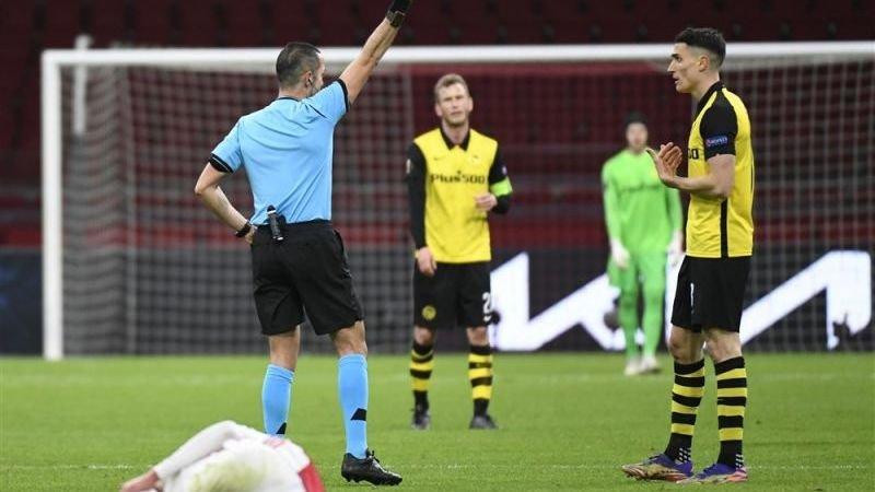 wijwedden-tipt-scheidsrechter-bij-zweden-spanje-geeft-gemiddeld-meer-dan-drie-gele-kaarten-per-wedstrijd